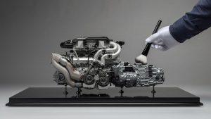 Bugatti Chiron motor modeli