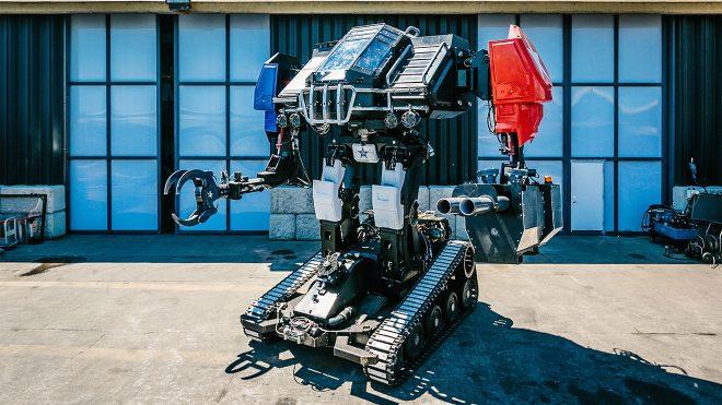 Amerika ile Japonya'yı karşı karşıya getiren dev robot savaşının kazananı belli oldu [İzle]