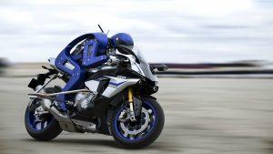 Yamaha Motobot sürücüsü motosiklet