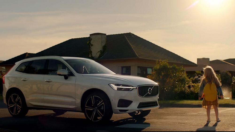 Volvo Xc90 Commercial >> Kullanıcılar ikiye bölündü; Volvo'dan tartışma yaratan ...