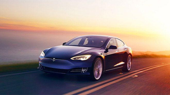 Bedava elektrikle Tesla bagajında sanal para madenciliği!