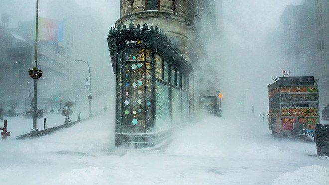 "Michele Palazzo'nun ""Flatiron Building In The Snowstorm"" isimli fotoğrafı"
