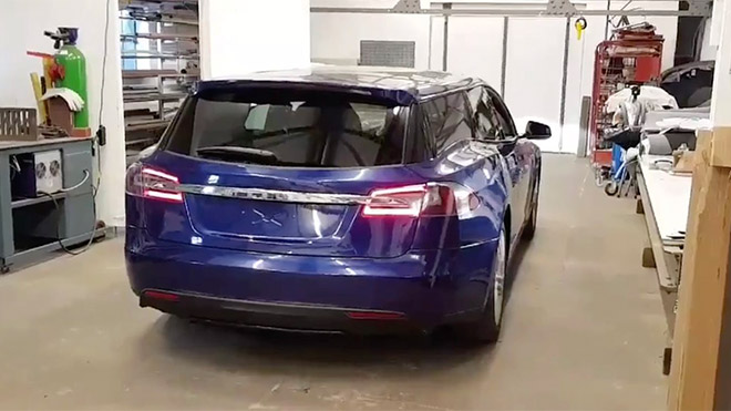 station wagon Tesla Model S