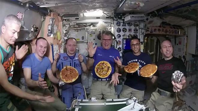 Uluslarası Uzay İstasyonu Pizza