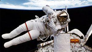 Astronot uzay kıyafeti