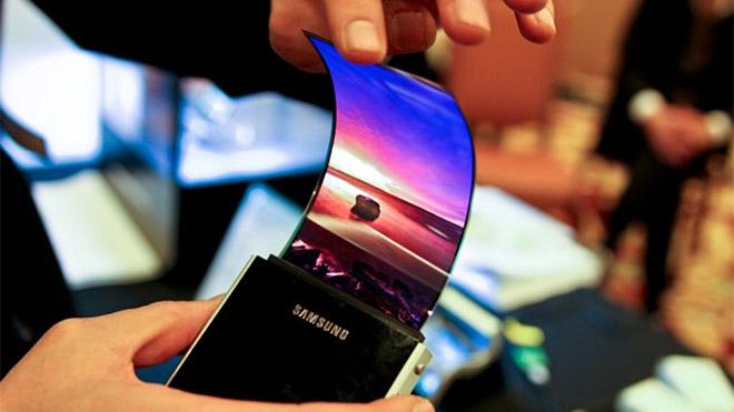 Samsung Galaxy X katlanabilir ekranlı akıllı telefon