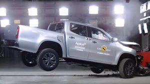 Mercedes X-Class crash test