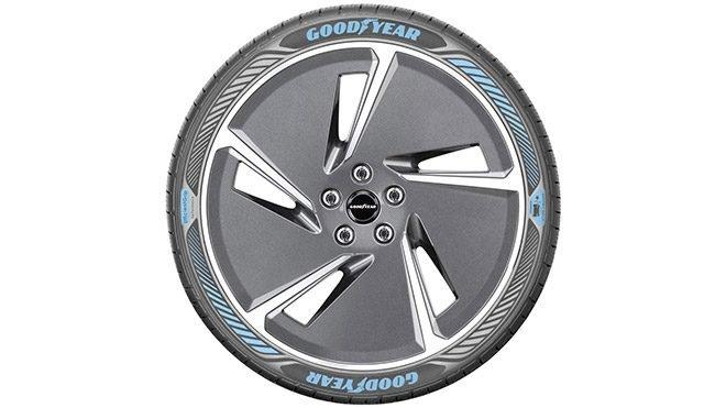 Goodyear EfficientGrip Performance