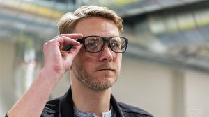 Intel akıllı gözlük