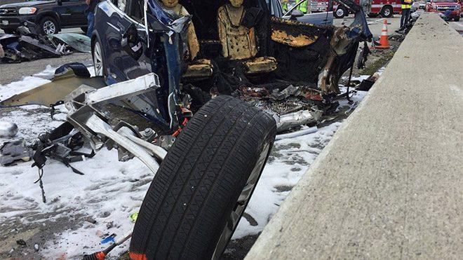 Tesla Model X kazası