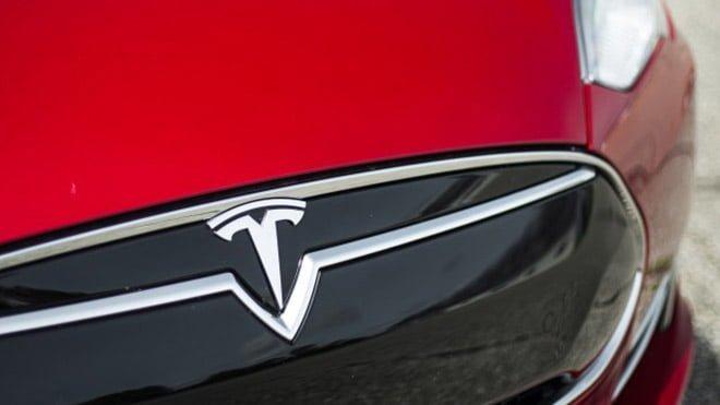 Tesla Quadra Elon Musk