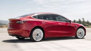 Tesla Model 3 Performans Versiyonu