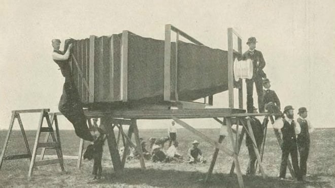 650 kiloluk fotoğraf makinesi