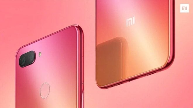 Xiaomi Mi 8 Fingerprint edition ve Xiaomi Mi 8 Youth Edition
