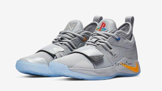 PlayStation temalı Nike spor ayakkabı