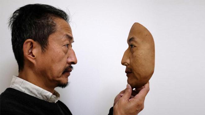 Black Mirror aratmayan yüz tanıma teknolojisini eğiten maske