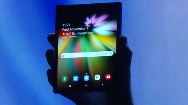 Samsung katlanabilir akıllı telefon