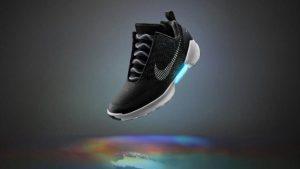 Nike otomatik bağcıklı ayakkabıı