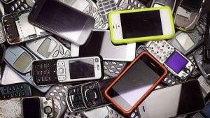 Elektronik atık eski telefon modelleri