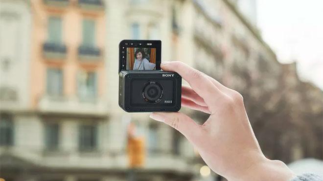 Sony RX0 II aksiyon kamerası