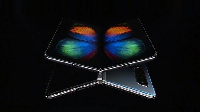 katlanabilir telefon Samsung Galaxy Fold Huawei Mate X