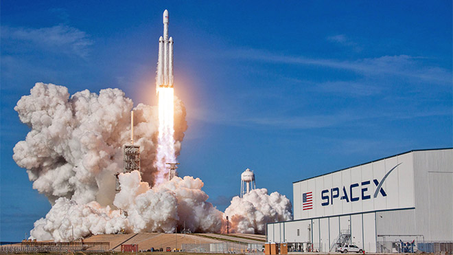 SpaceX Falcon Heavy roket Elon Musk