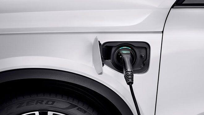 Tamamen elektrikli Volvo XC40