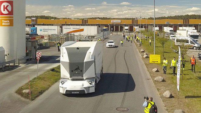 Einride sürücüsüz kamyon T-Pod