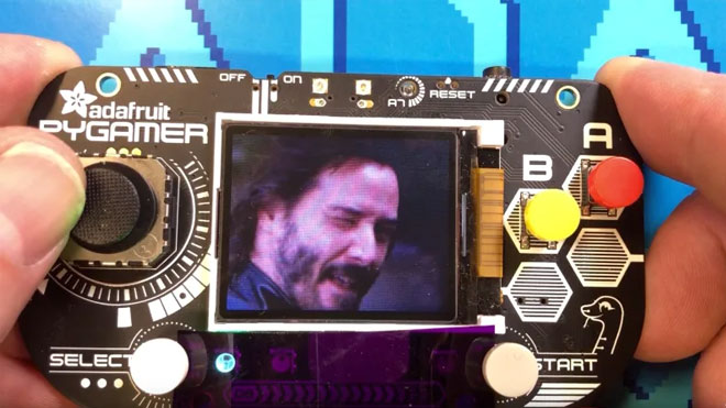 Keanu Reeves GIF oynatıcı