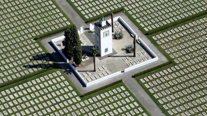 Şehir kategorisinde övgüye değer bir giriş. Savaş Mezarlığı Franco Cappellari, İtalya