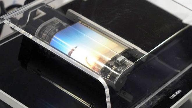Sony katlanabilir telefon Sony Xperia Fold