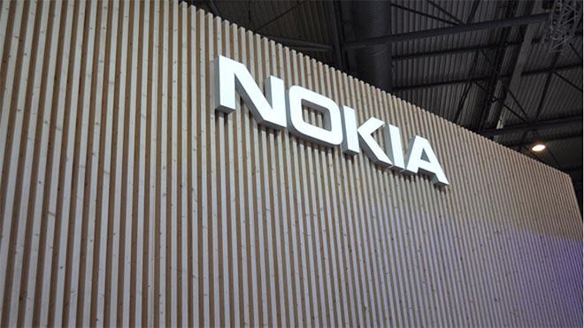 Nokia tuşlu akıllı telefon