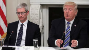 Donald Trump Tim Cook Apple Çin ABD