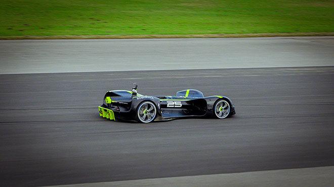 Dünyanın en hızlı sürücüsüz otomobil modeli