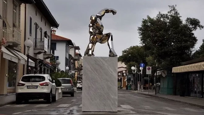 Avengers Endgame sonrası Iron Man heykeli