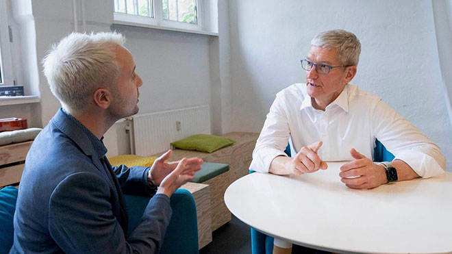 Apple CEO'su Tim Cook Facebook Libra kripto para