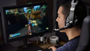 Sennheiser GSP 370 kablosuz oyuncu kulaklığı