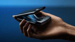 motorola razr katlanabilir telefon