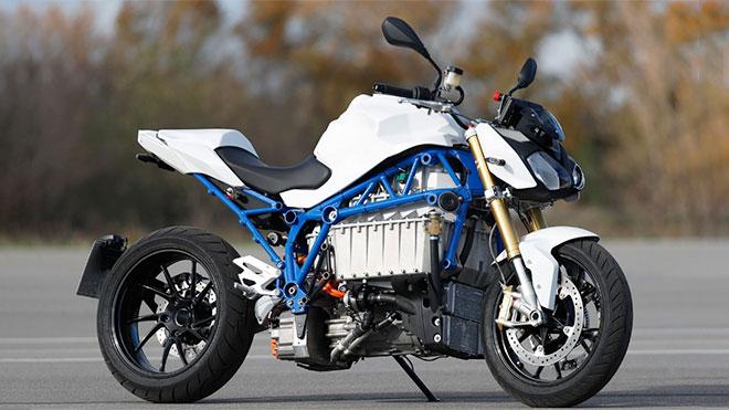 BMW E-Power Roadster elektrikli motosiklet görücüye çıktı