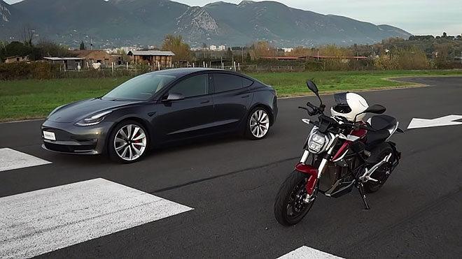 Elektrikli otomobil ile elektrikli motosiklet drag yarışında karşı karşıya [Video]