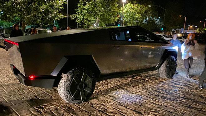 Elon Musk, Tesla Cybertruck