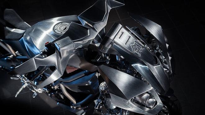 Yamaha Niken motosiklet