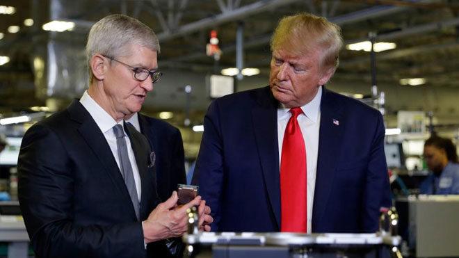 Donald Trump'tan iPhone üreticisi Apple için açık çağrı