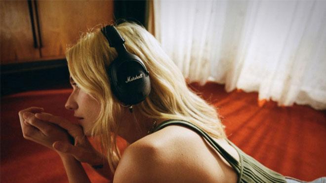 Aktif gürültü engellemeli Marshall kablosuz kulaklık