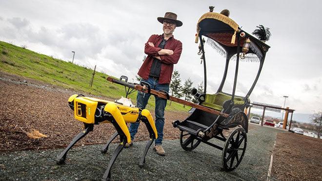 Robot köpek Spot Adam Savage