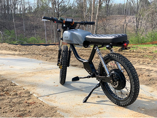 Karşınızda retro tasarımıyla hayran bırakan yeni elektrikli motosiklet