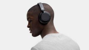 Microsoft Surface Earbuds modeli, satışa Microsoft Surface Headphones 2 kablosuz kulaklık