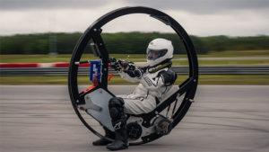 Dünya rekoru kırmak için geliştirilen tek tekerlekli elektrikli motosiklet [Video]