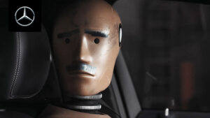 Mercedes-Benz'den güldüren video serisi: Crash Tales [İzle]