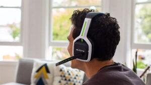 PlayStation 5 ve Xbox Series X uyumlu oyuncu kulaklığı: Astro A20 Gen 2